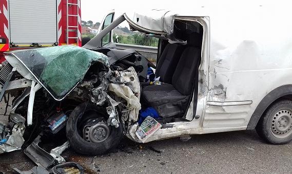 ver notícia Um morto e dois feridos em acidente