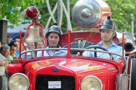 Maria Regina participou no Desfile de Clássicos dos Bombeiros